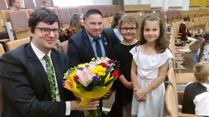 Zľava podpredseda BSK Mikuláš Krippel a starosta obce Plavecký Štvrtok Radoslav Benkovič