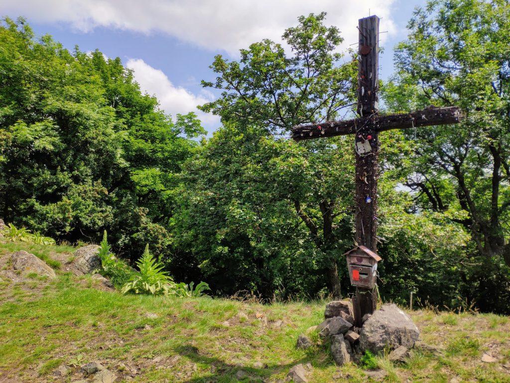 Klokoč, klincový kríž