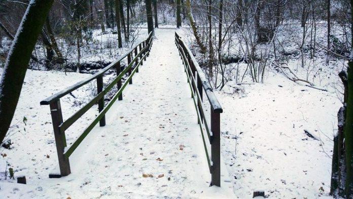 Sneh sa asi dlho neudrží, ale na niektorých miestach vyčaril peknú sviatočnú atmosféru :)