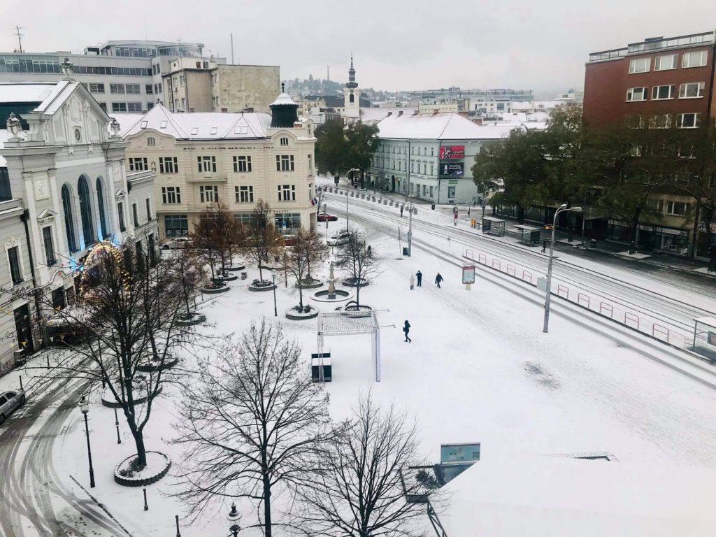 Námestie Nežnej revolúcie a Stará tržnica. Foto: Katarína Šutárová