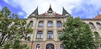"""Budova """"Fajnorky"""" je chránená pamiatka a je významnou súčasťou histórie školstva v našej župe."""