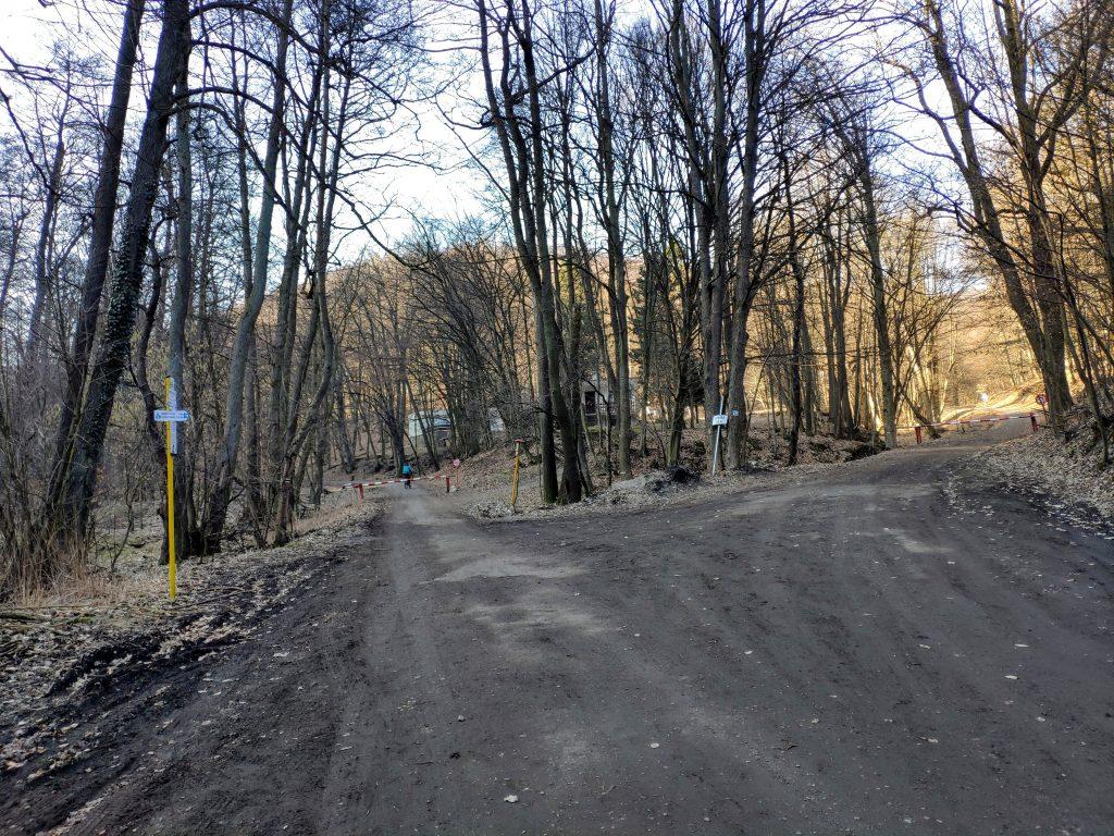 Odbočka do Medvedieho údolia