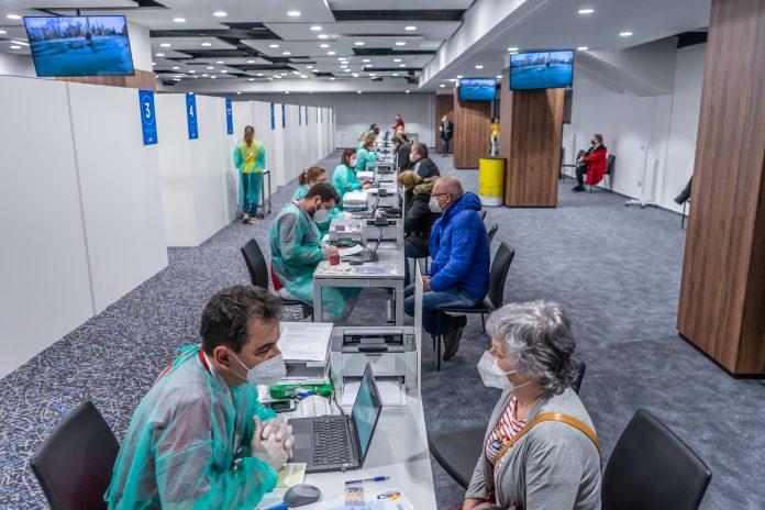 Župné Veľkokapacitné očkovacie centrum v Národnom futbalovom štadióne