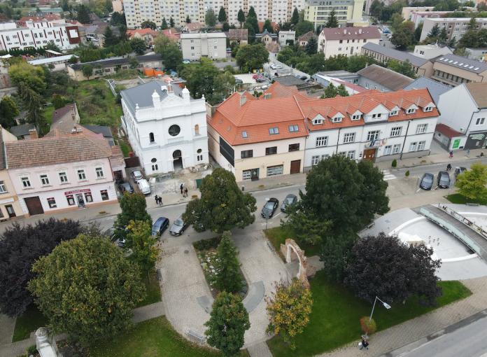 Senec už zdobí krásna fasáda synagógy, ktorú zrekonštruoval Bratislavský kraj.