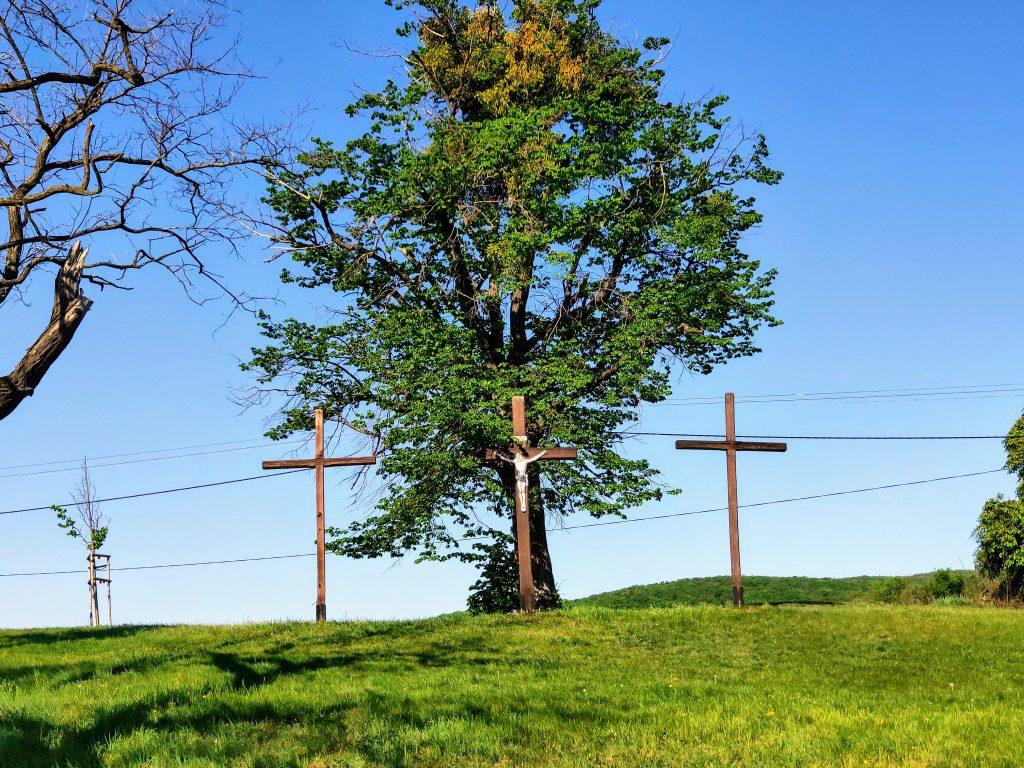 Svätý Jur, krížová cesta