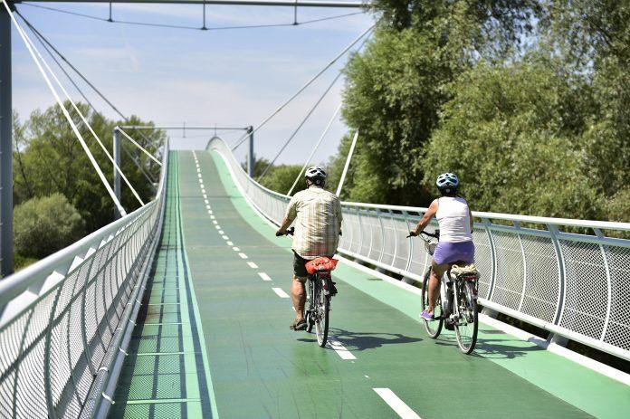 Cyklomost Slobody je most vedúci ponad rieku Morava, ktorý spája slovenský a rakúsky breh a vytvára tak prepojenie už existujúcich cyklotrás. Vznikol v rámci Programu cezhraničnej spolupráce Slovenská republika – Rakúsko 2007-2013.