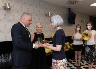 Zľava župan Juraj Droba a riaditeľka župného Odboru školstva Jana Zápalová