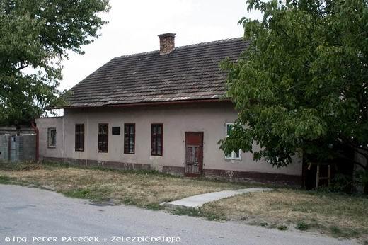 Svätý Jur - pôvodná budova konskej železnice z roku 1840