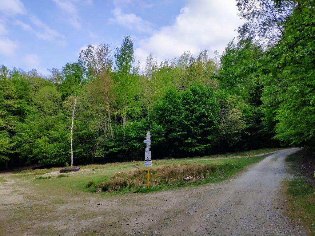 Údolie Vydrice, križovatka trás