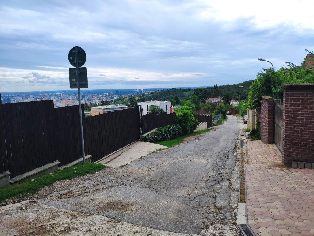 Sliačska ulica, výhľad na mesto