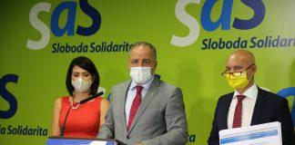 Zľava Janka Cigániková, predsedníčka Výboru NR SR pre zdravotníctvo, župan Juraj Droba a minister školstva Branislav Gröhling